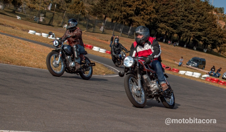 Sin Héroes Motorcycles Track Day30/11